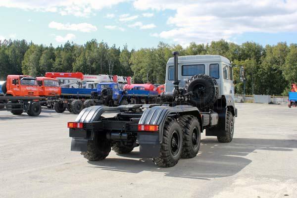 H3 седельный тягач урал 63704 с бескапотной кабиной - внедорожный автомобиль с колесной формулой 6х6